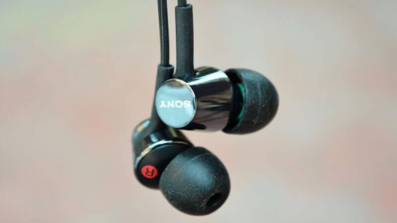 Sony-MDR-EX150(Mic)-earphones