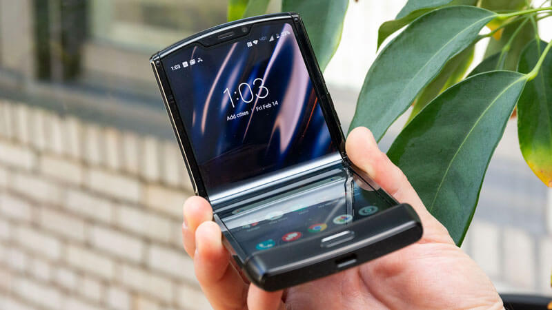 Motorola-Razr2-phone